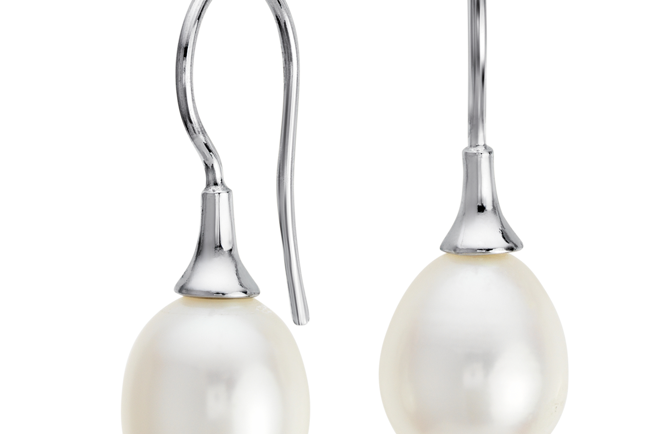 Freshwater Cultured Pearl Drop Earrings in Sterling Silver (8mm)