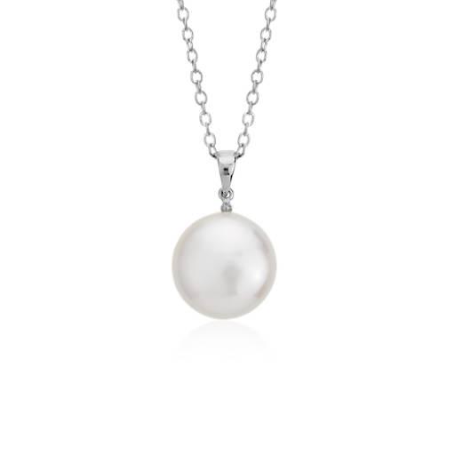 Freshwater Cultured Pearl Coin Pendant in Sterling Silver
