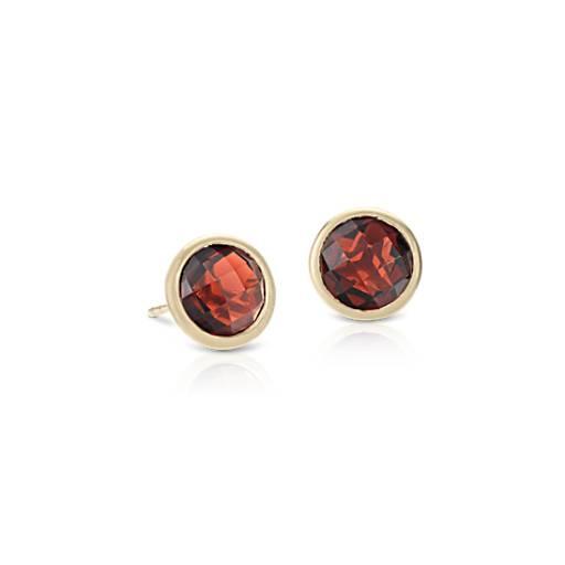 Garnet Stud Earrings in 14k Yellow Gold (7mm)
