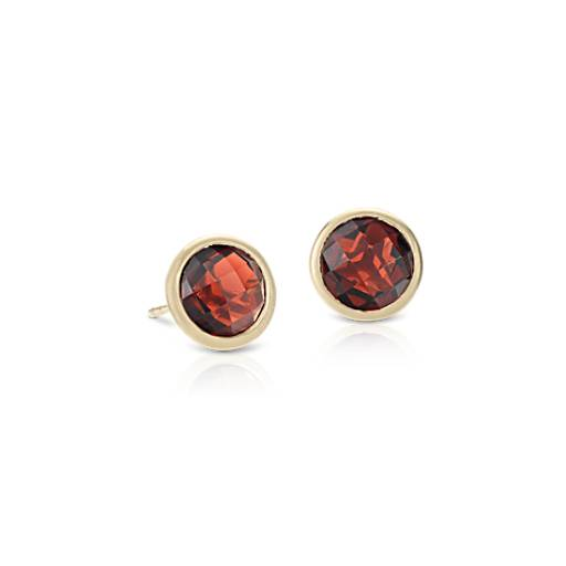 Garnet Stud Earrings in 14k Yellow Gold (7mm)