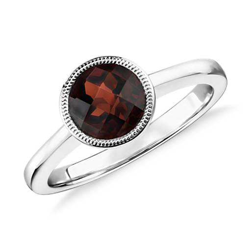 NEW Garnet Round Milgrain Ring in plata de ley (7 mm)