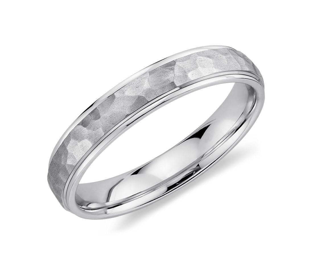 Hammered Wedding Ring in 14K White Gold (4mm)