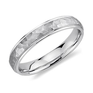 Alliance martelée en or blanc 14 carats (4 mm)