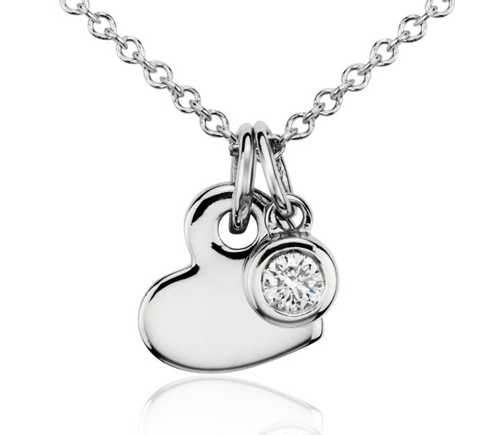 Pendentif breloque en diamants et cœur en or blanc 14carats (1/20carat, poids total)
