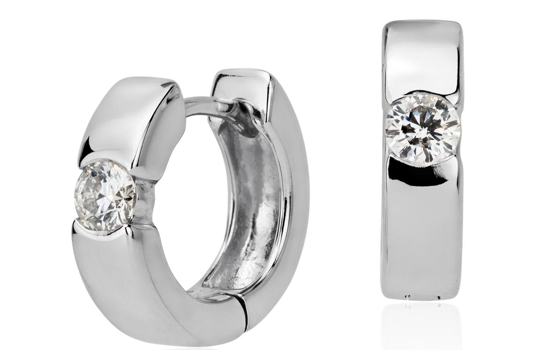 Aretes tipo argolla de diamantes en oro blanco de 14k (3/8 qt. total)
