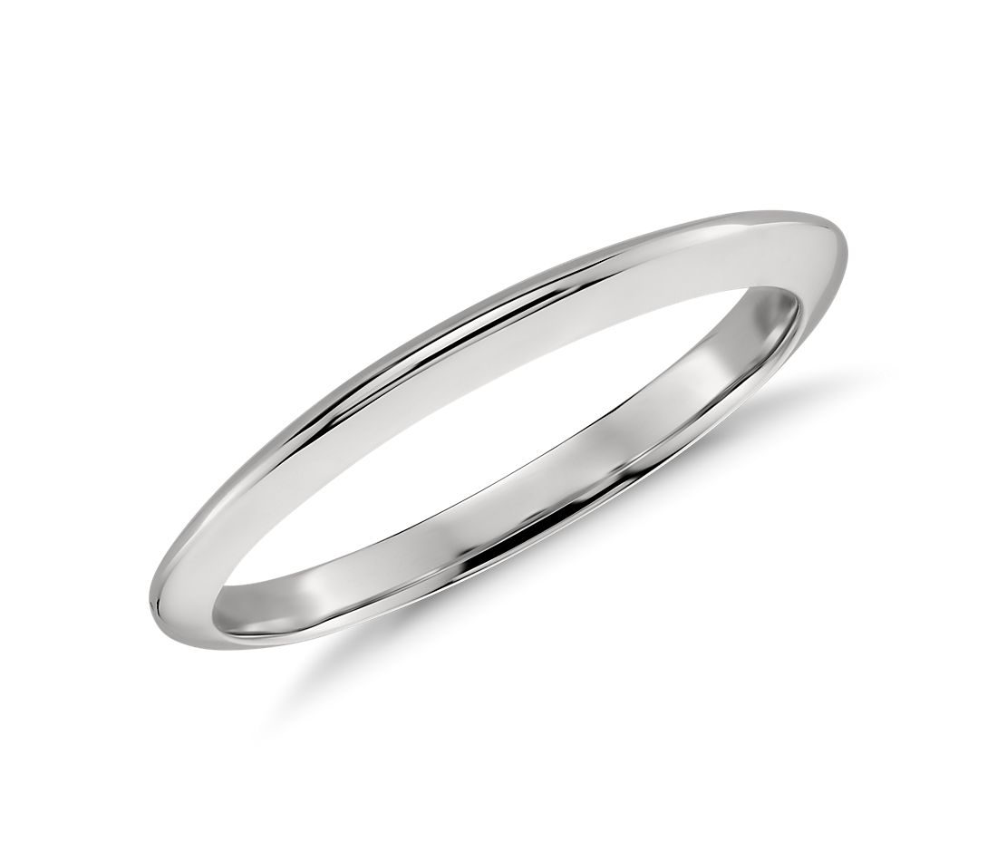 Knife Edge Wedding Band in Platinum