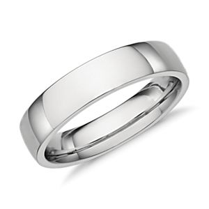 Low Dome Comfort Fit Wedding Ring in Platinum (5mm)