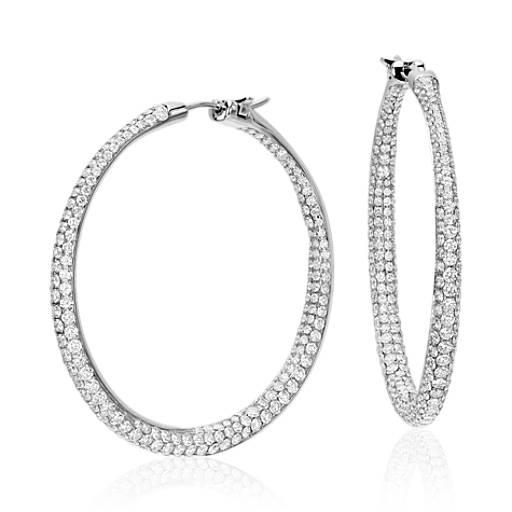Aretes tipo argolla con diamantes superpuestos Lucille en oro blanco de 18 k (5,2 qt. total)