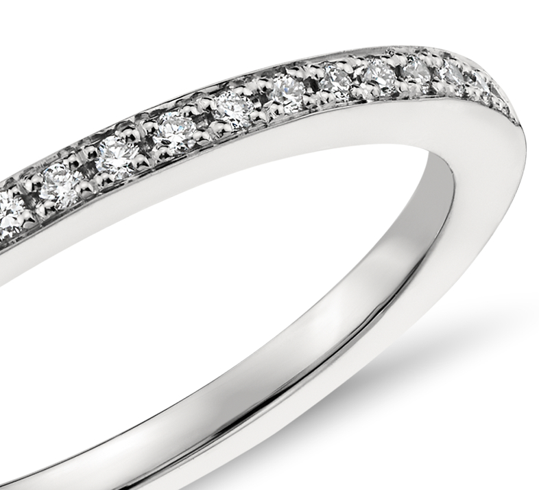 Bague en diamants sertis pavé Monique Lhuillier en platine