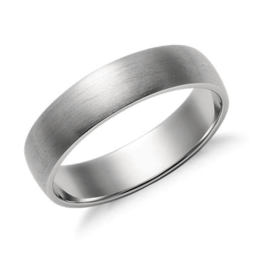 Matte Classic Wedding Ring in Platinum