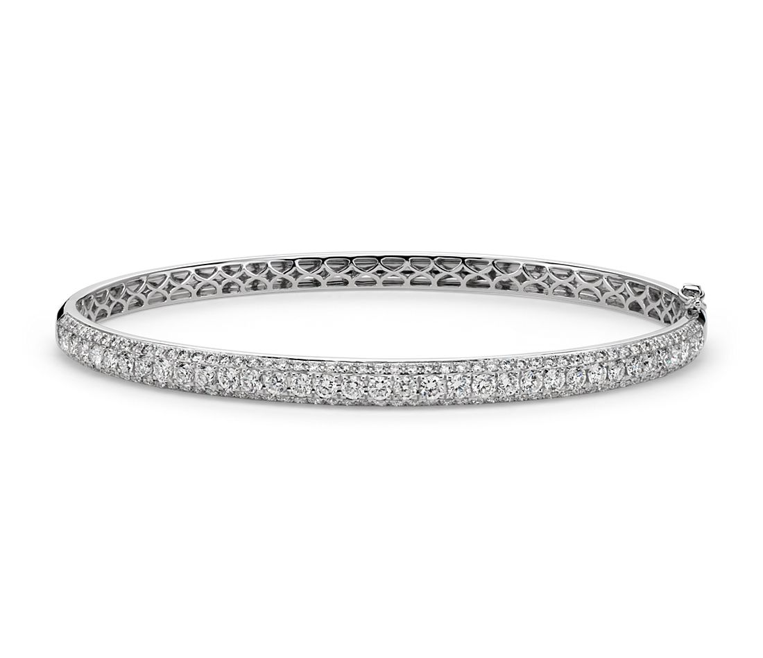 Micropavé-Set Diamond Bangle in 18k White Gold