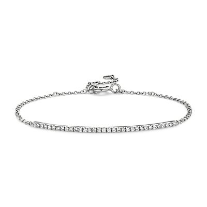 Delicado brazalete con barra de diamantes en oro blanco de 14k (1/5 qt. total)
