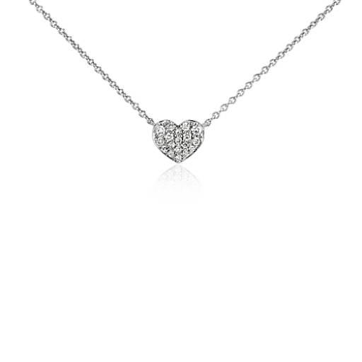 Collar con forma de corazón de diamantes en oro blanco de 14 k