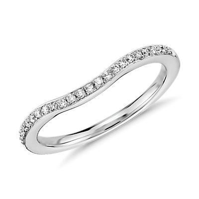 Anillo con pavé de diamantes de Monique Lhuillier en platino (1/8 qt. total)