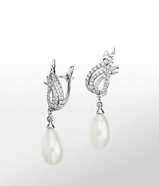 Monique Lhuillier Freshwater Cultured Pearl and Diamond Flame Earrings