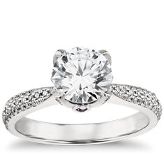 Monique Lhuillier Pavé Leaf Diamond Engagement Ring in Platinum