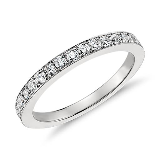 Anillo de diamantes de Monique Lhuillier en platino (2/3 qt. total)