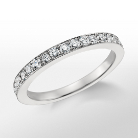 Anillo de diamantes de Monique Lhuillier