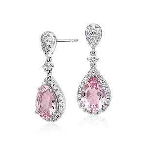 Pendants d'oreilles halo de diamants et morganite en or blanc 18 carats (centre 3,30 carats, poids total)