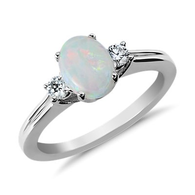 18k 白金蛋白石鑽石戒指( 8x6毫米)