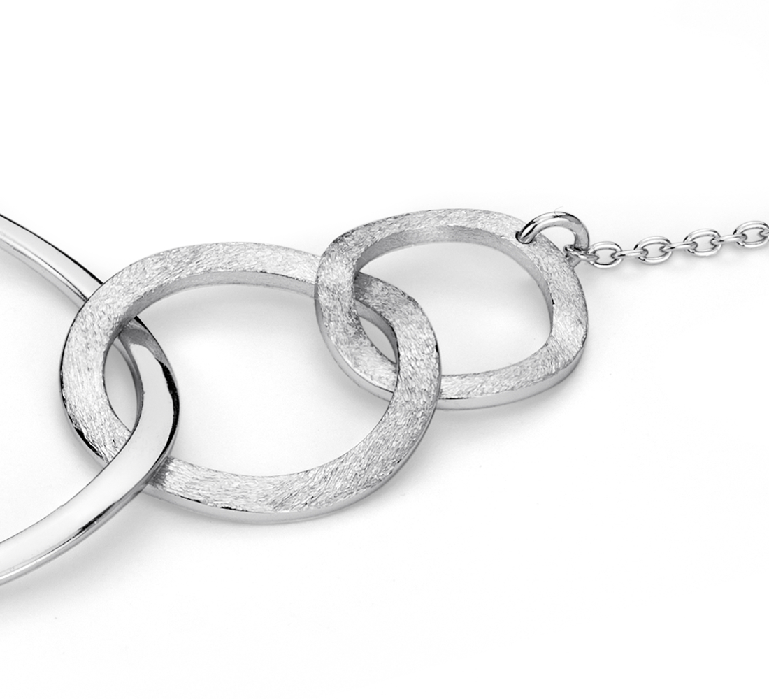 Collar circular abierto en plata de ley