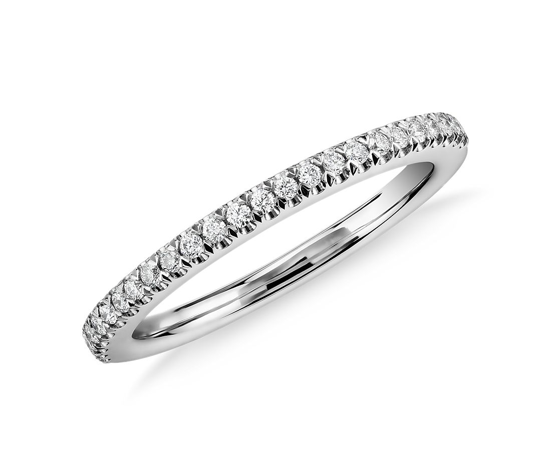 Pavé Wedding Band in Platinum (1/6 ct. tw.)