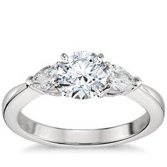 Bague de fiançailles diamant taille poire classique en platine pour de plus gros diamants (1/2carat, poids total)