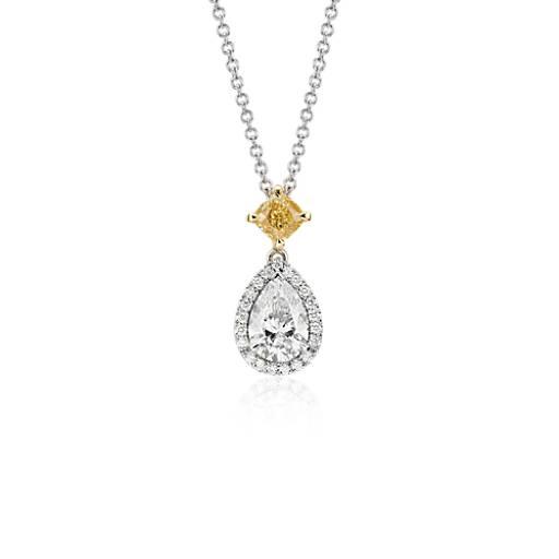 Colgante en forma de gota con halo y diamante en forma de pera en oro blanco de 18 k (1,52 qt. total)