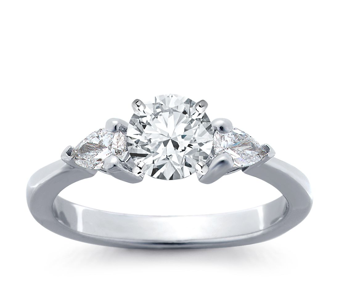 Classic Pear Shaped Diamond Engagement Ring in 14k White Gold (1/4 ct. tw.)
