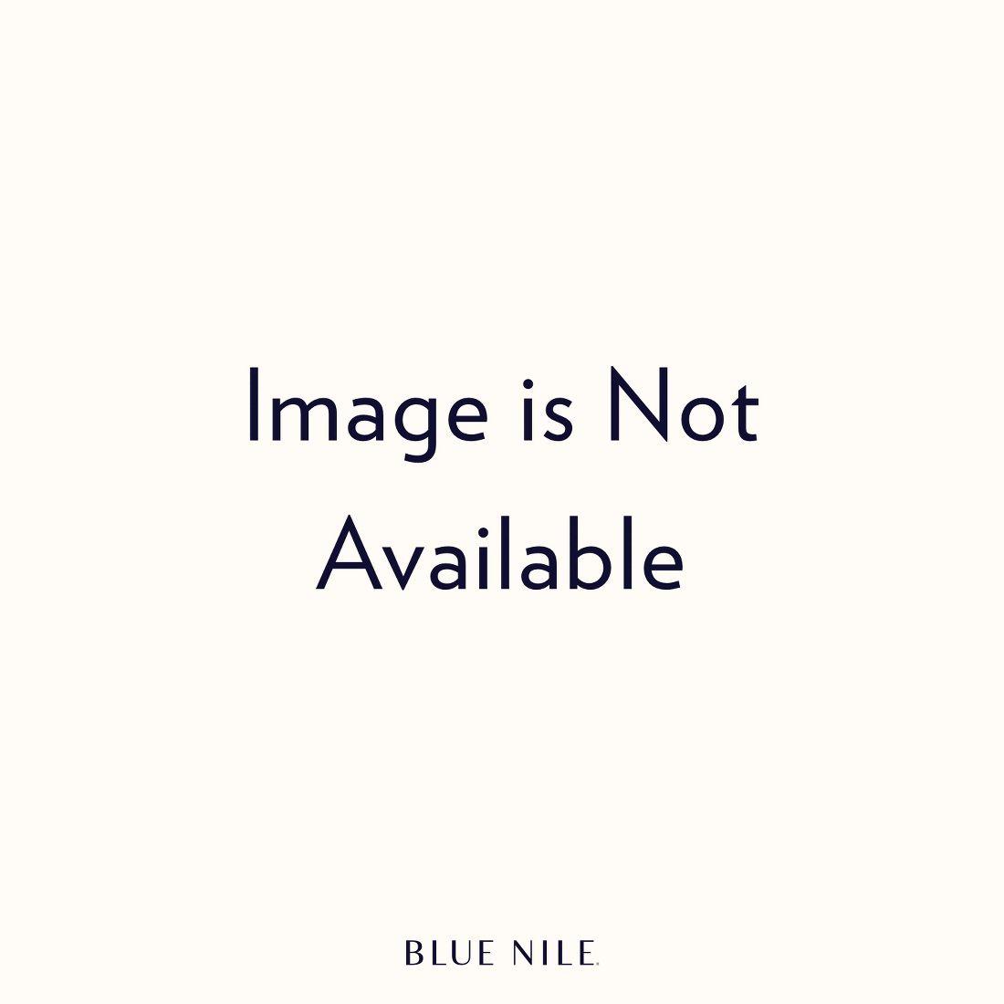 Anillo de compromiso clásico con diamantes con forma de pera en platino (1/4 qt. total)