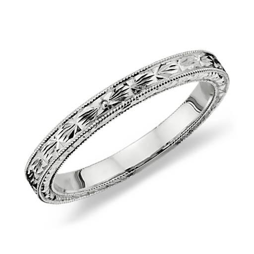 Hand Engraved Wedding Ring in Platinum