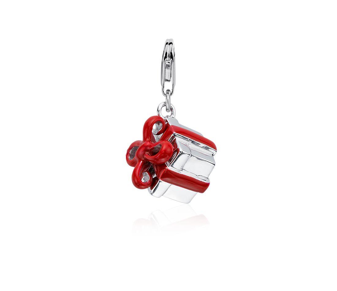 Dije en forma de caja de regalo en plata de ley