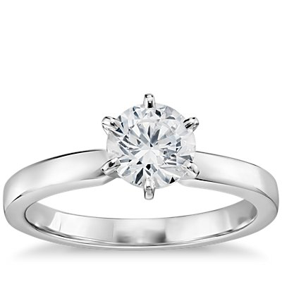 3/4 克拉 14k 白金(2.5毫米)预镶嵌六分岔低圆拱内圈卜身设计单石订婚戒指