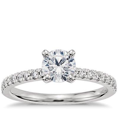 3/4 克拉铂金预镶嵌小巧密钉钻石订婚戒指