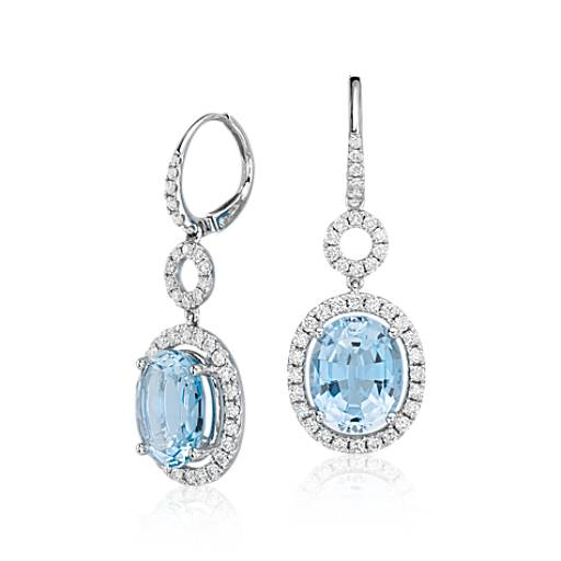 Pendants d'oreille diamant halo et aigue-marine en or blanc 18 carats (centre 6,24 carats, poids total)