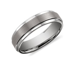 Brushed Finish with Polished Edge Wedding Ring in Classic Gray Tungsten Carbide (6mm)
