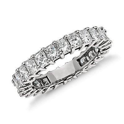 Anillo de eternidad de diamante de talla brillante en platino (3,00 qt. total)