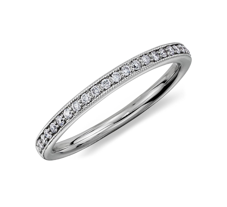 Anillo de diamantes en pavé clásico Riviera en platino (1/8 qt. total)