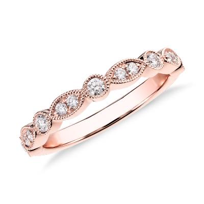 Anillo de compromiso de pequeños diamantes y talla marquesa milgrain en oro rosado de 14k (1/5 qt. total)