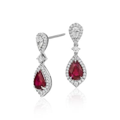 Aretes colgantes de diamante y rubí en oro blanco de 18 k