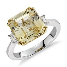 Yellow Sapphire and Diamond Three-Stone Ring in Oro blanco y amarillo de 18 k