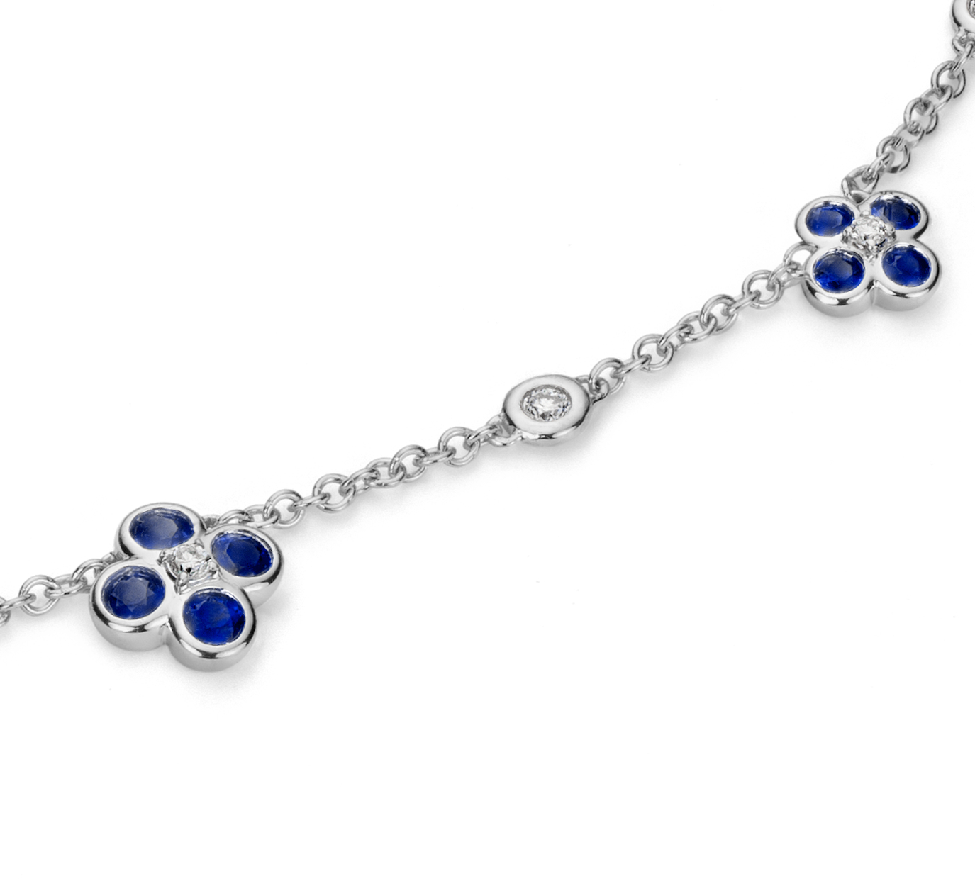 Collar de diamante y zafiro con motivo floral Something Blue de Studio de Blue Nile en oro blanco de 18 k (2 mm)