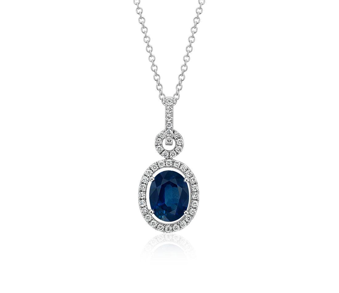 Colgante con pavé de diamantes y zafiro montado al aire ovalado y torcido en oro blanco de 18k (9x7 mm)