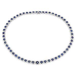NUEVO. Collar llamativo con halo de diamantes y zafiros, en oro blanco de 18 k (21,72 qt. total)