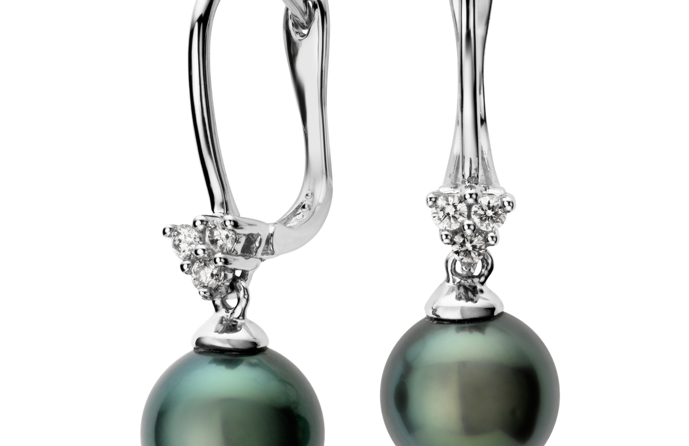 Boucles d'oreilles grappe diamant et perle de culture de Tahiti en or blanc 14 carats (8 mm)