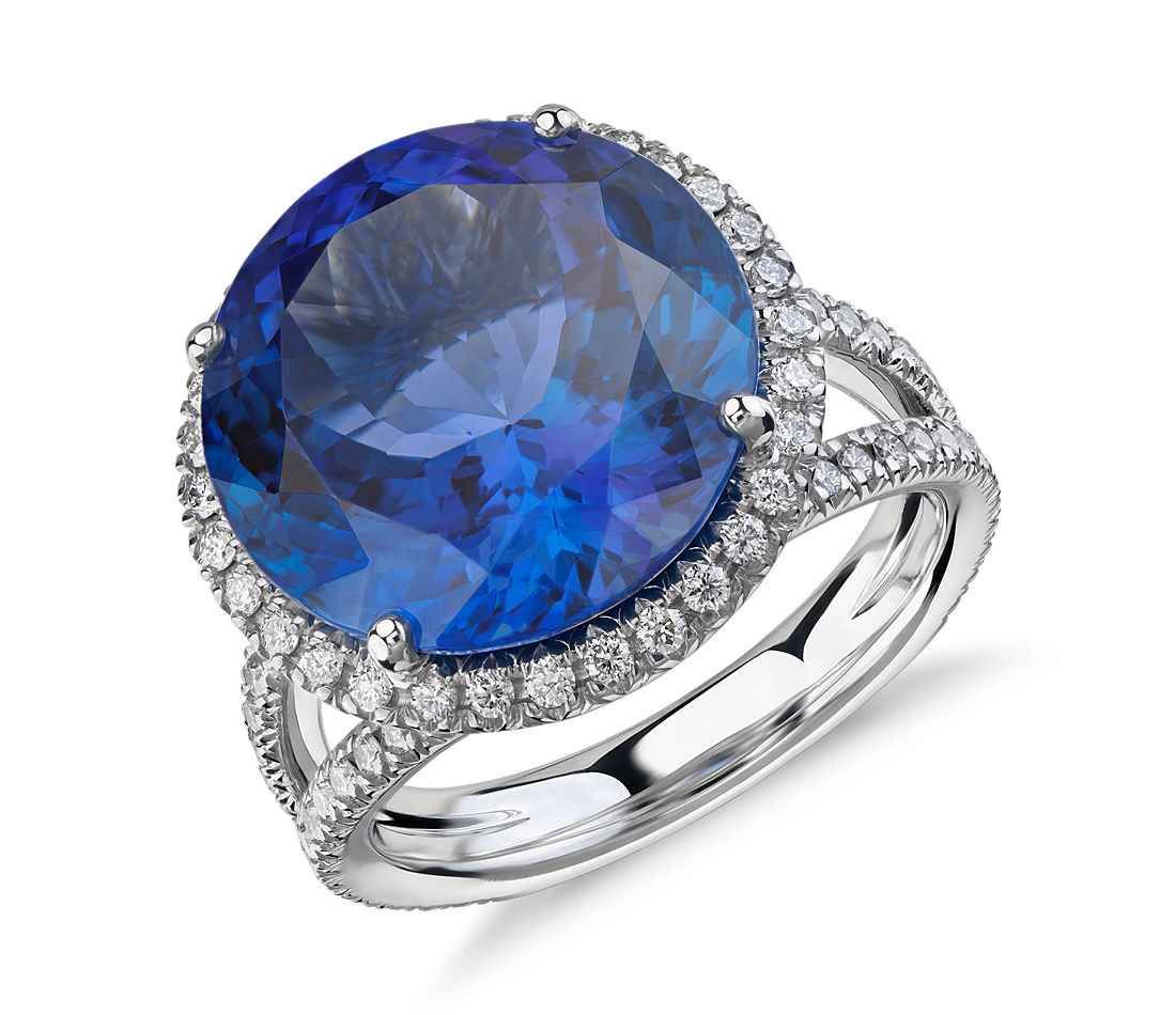Bague torsadée cercle fendu halo de diamant et tanzanite en or blanc 18 carats (10,88 ct au centre) (14,2 mm)