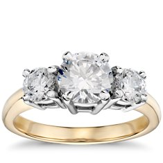 Classic Three Stone Diamond Engagement Ring in 18k Yellow Gold