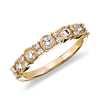 Anillo de diamantes estilo vintage en oro amarillo de 14k (1/2 qt. total)