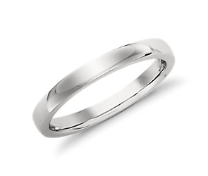 Low-Dome Comfort-Fit Wedding Ring in Platinum (2.5 mm)