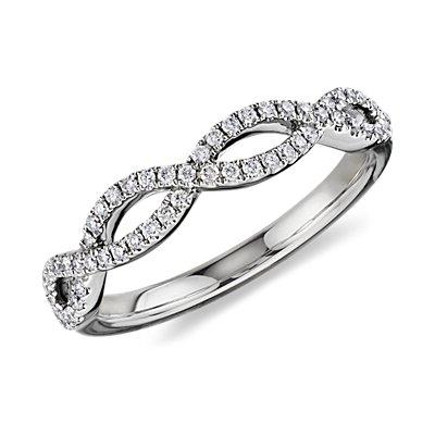 Alianza infinita torcida con micropavé de diamantes en oro blanco de 14 k